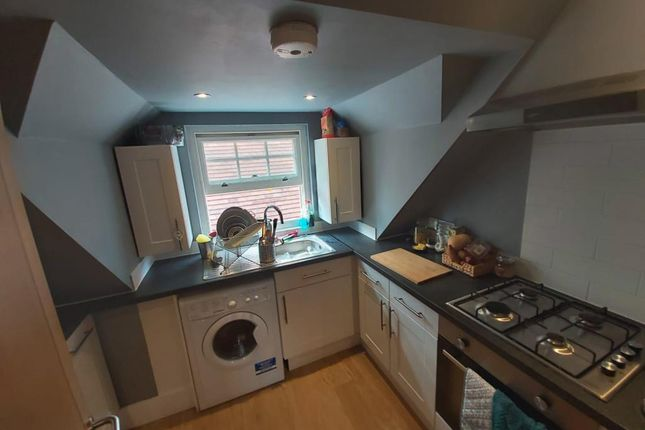 Thumbnail Flat to rent in Twyford, Berkshire