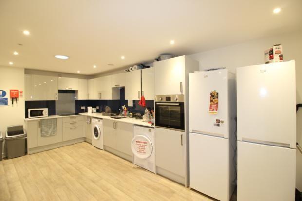Communal Kitchen3