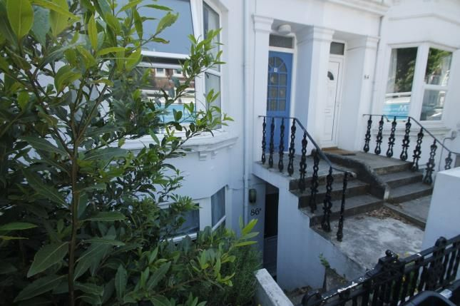 Thumbnail Flat for sale in Hythe Road, Brighton, East Sussex