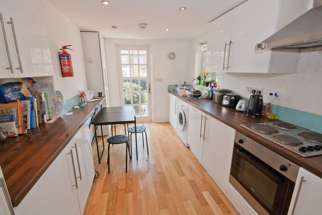 Thumbnail Flat to rent in Kings Grove, Peckham, London