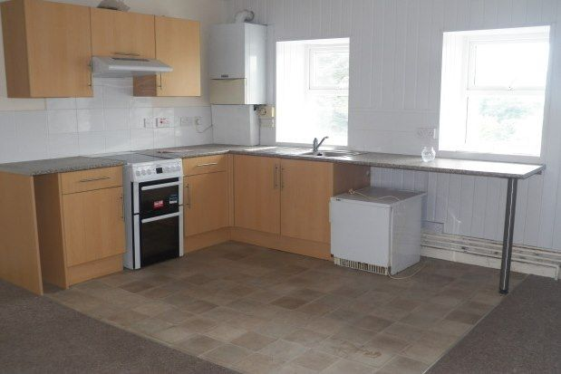 2 bed flat to rent in Main Street, Pembroke SA71