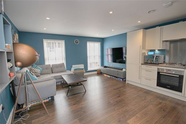 Thumbnail Flat for sale in Prince Regent Mews, Cheltenham, Gloucestershire