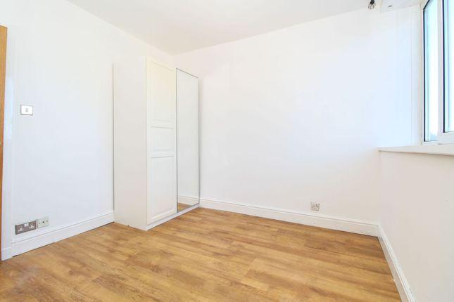 Bedroom of George Street, Aberdeen AB25