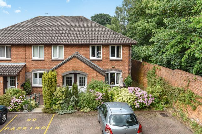 256769 (13) of Acorn Drive, Wokingham, Berkshire RG40