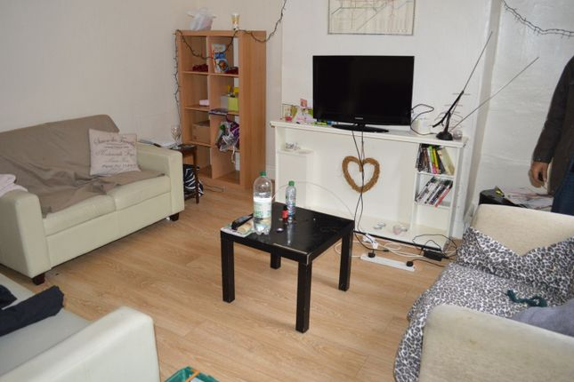 Thumbnail Terraced house to rent in 7 Thornville Mount, Hyde Park