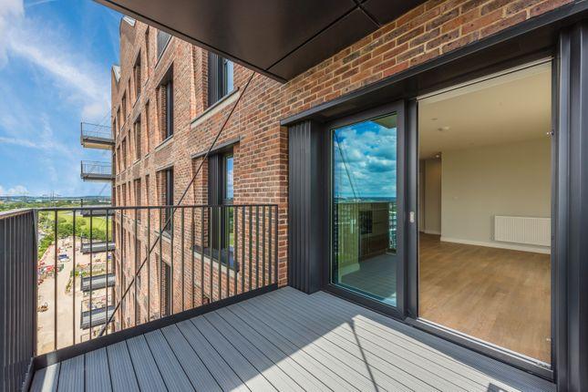Thumbnail Flat to rent in Windlass Apartments, London
