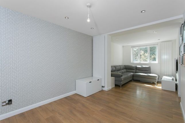 Thumbnail Property to rent in Bazely Street, London