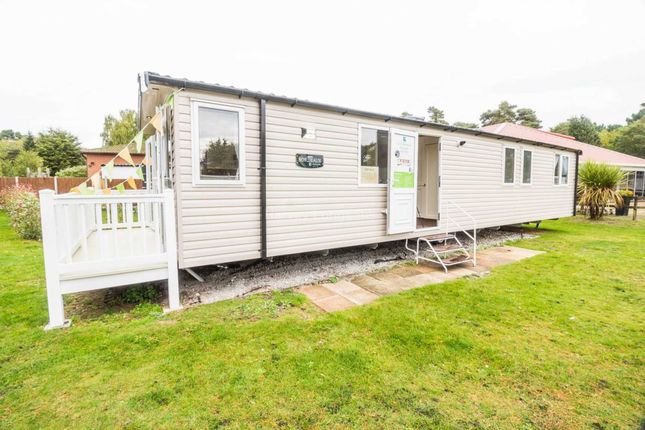 Thumbnail Mobile/park home for sale in Wild Duck, Belton, Great Yarmouth