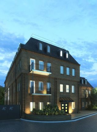 Thumbnail Flat for sale in Radford Gate, Station Road, Sunbury-On-Thames