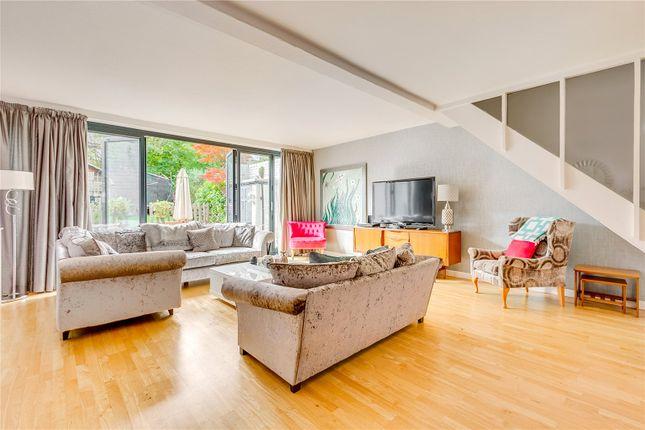 Thumbnail End terrace house to rent in Little Bornes, London