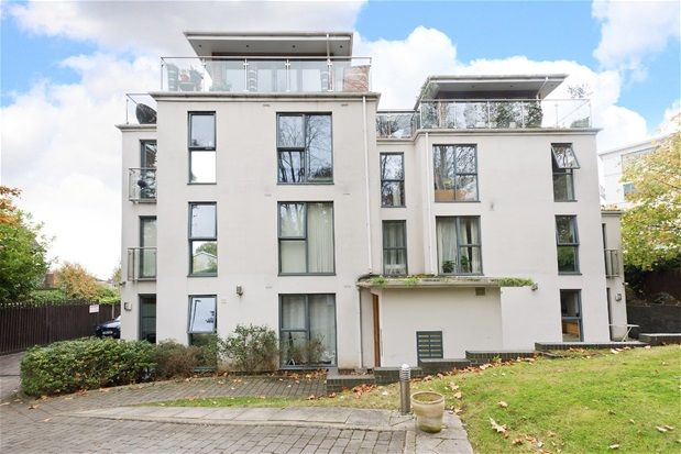 Thumbnail Flat to rent in Taymount Rise, London