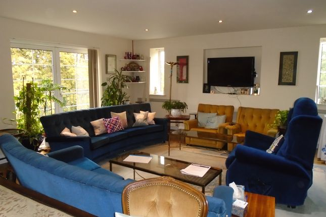 Thumbnail Flat to rent in Mulberry Close, Hendon