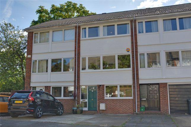 Picture No. 20 of Hatcliffe Close, Blackheath, London SE3