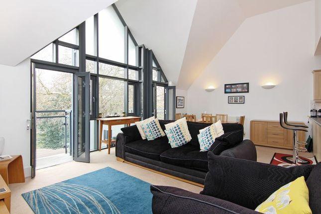 Thumbnail Flat to rent in Putney Bridge Road, London