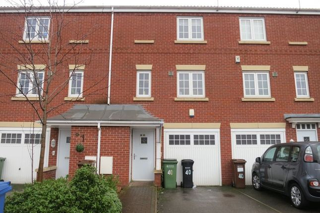 Thumbnail Mews house to rent in Cravenwood Road, Reddish, Stockport