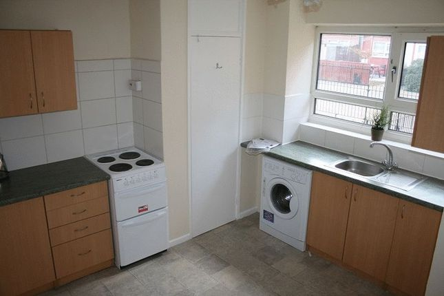 Thumbnail Room to rent in Hooper Road, London