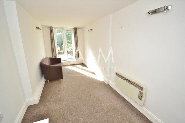 Thumbnail Property to rent in The Roses, High Road, Woodford Green