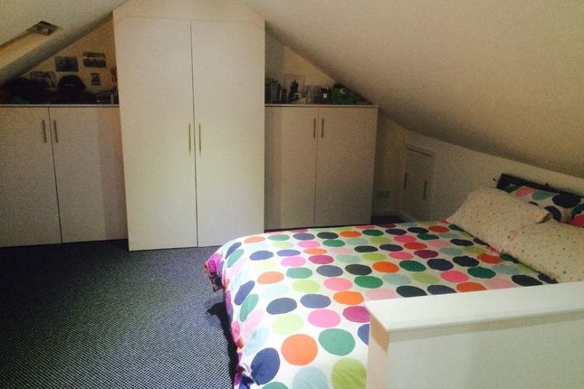 Thumbnail Studio to rent in Solway Close, Hounslow