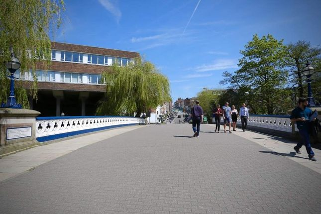Thumbnail Office to let in Refurbished Second Floor Office, Friary Court, Guildford, Surrey