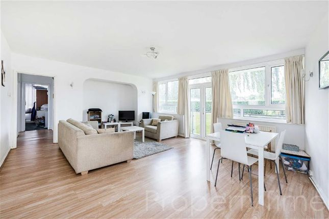 Thumbnail Flat for sale in Regents Park Road, Finchley, London