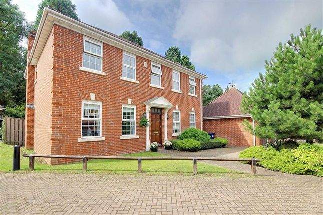 Thumbnail Property for sale in Westlinton Close, London