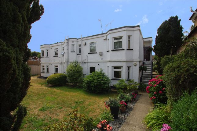 Thumbnail Maisonette to rent in Bucknalls Lane, Watford, Hertfordshire