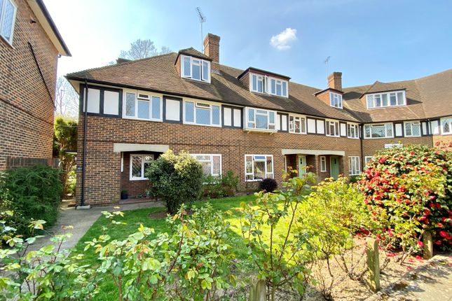 3 bed flat for sale in Station Approach, Hinchley Wood, Esher KT10