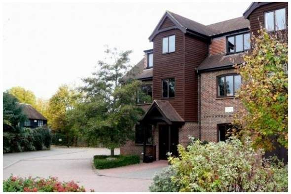 Office to let in The Granary, Farnham, Surrey