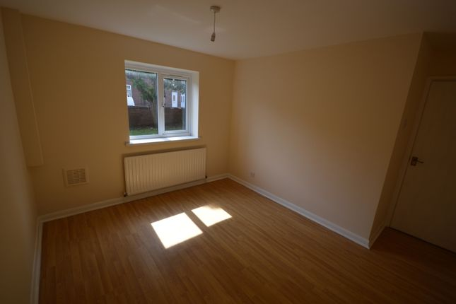 Bedroom of Shadyside, Hexthorpe, Doncaster, South Yorkshire DN4