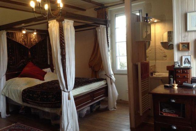 Bedroom 2 of Duras, France