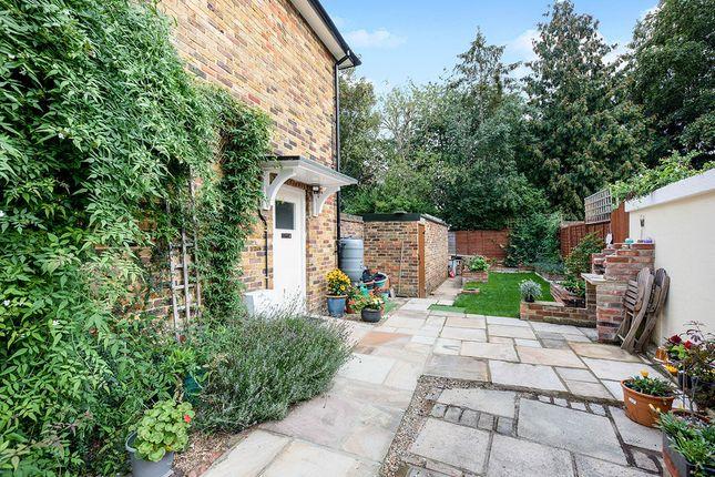 Thumbnail Property for sale in Bullfinch Dene, Sevenoaks