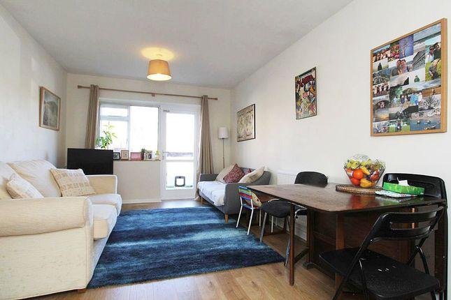 2 bed flat for sale in Oakdene, Oaks Avenue, London, London