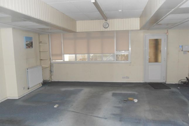 Thumbnail Commercial property to let in Station Road, Westgate-On-Sea