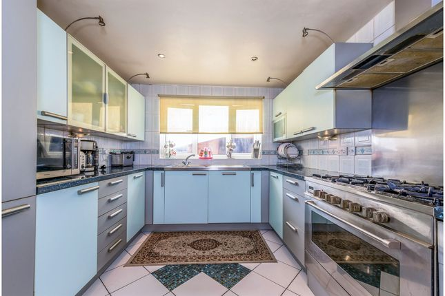 Thumbnail Detached house for sale in Crofters Close, Northampton