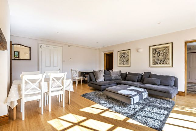 Thumbnail Flat to rent in Sleepers Hill, Winchester, Hampshire