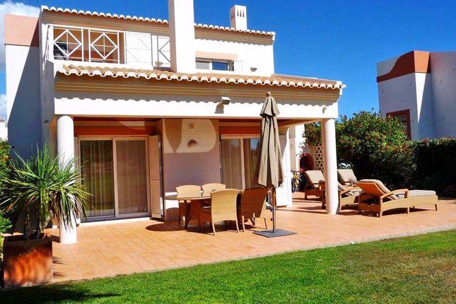 3 bed villa for sale in Estômbar E Parchal, Lagoa, Portugal