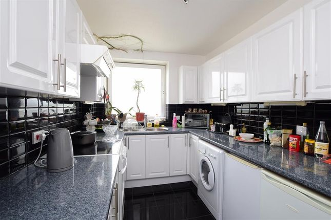 Flat for sale in Brighton Road, Lancing, West Sussex