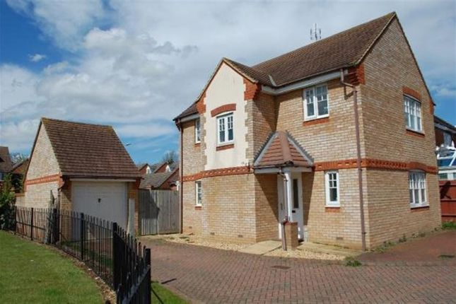 Thumbnail Property to rent in Windrush Close, Stevenage