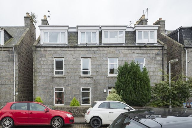 2 bed flat to rent in Jute Street, Aberdeen