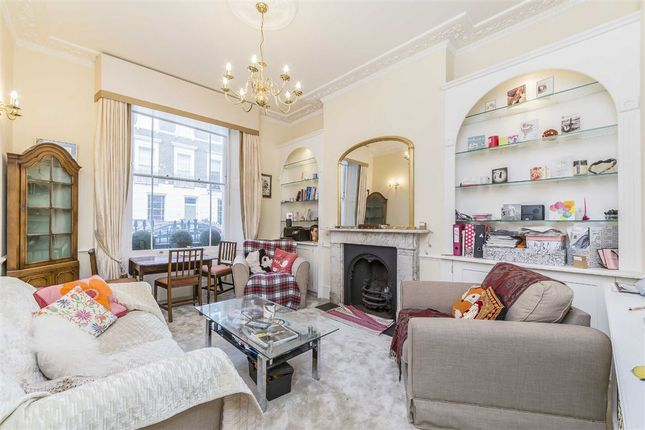 2 bed flat to rent in Cambridge Street, London