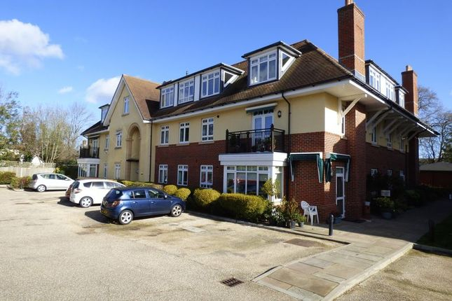 Thumbnail Flat for sale in Church Road, Claygate, Esher