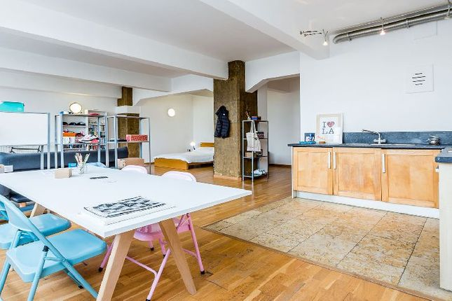 Thumbnail Studio to rent in Kingsland Road, London