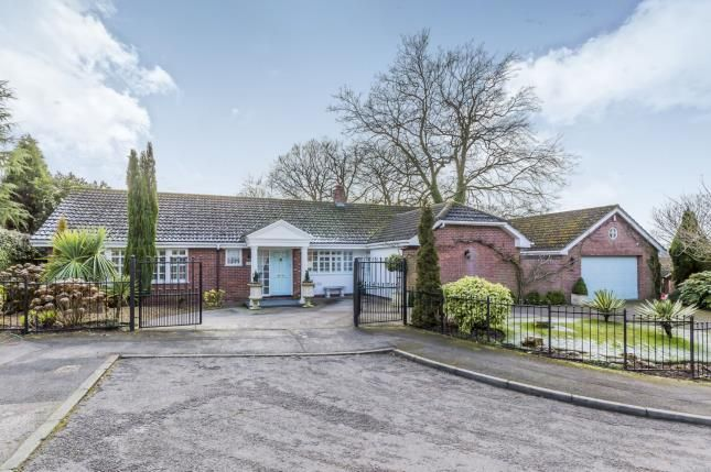 Thumbnail Bungalow for sale in Brampton Gardens, May Bank, Newcastle Under Lyme, Staffordshire