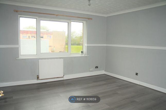 2 bed flat to rent in Holmhills Place, Cambuslang, Glasgow G72