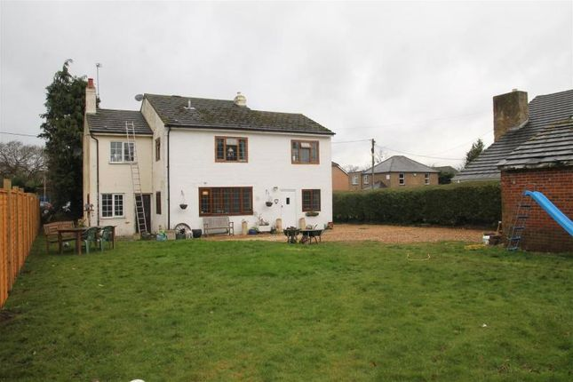 Thumbnail Property for sale in Money Row Green, Holyport, Maidenhead
