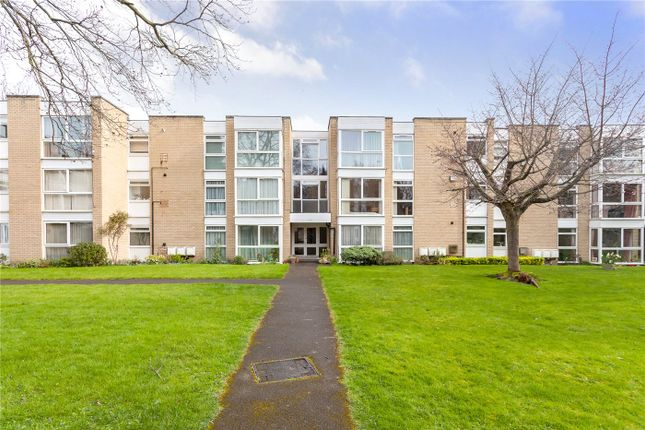 Thumbnail Flat for sale in Winchester Close, Enfield