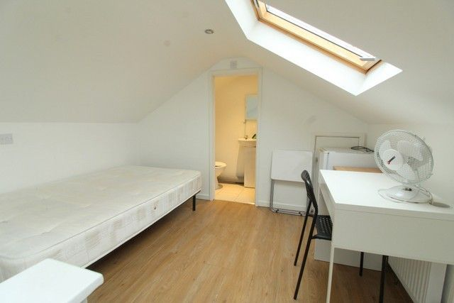 Thumbnail Semi-detached house to rent in 6Dw, New Cross, London