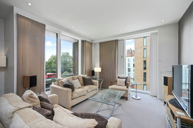 Thumbnail Flat to rent in Cubitt Building, Grosvenor Waterside