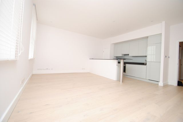 Thumbnail Flat to rent in The Baynards, Chepstow Place, Notting Hill