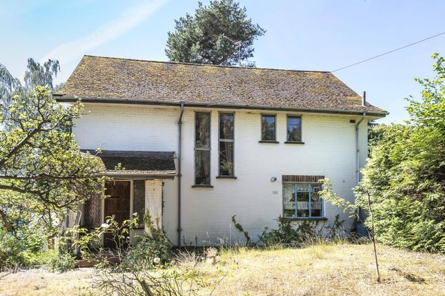 Thumbnail Detached house for sale in Wych Hill, Woking